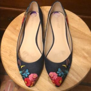 Nine West 8.5 embroidered flats